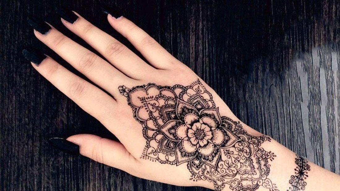 Tattoo mano