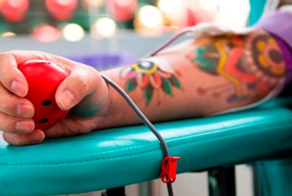 donar sangre tatuado