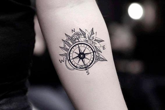 Tatuaje rosa de los vientos