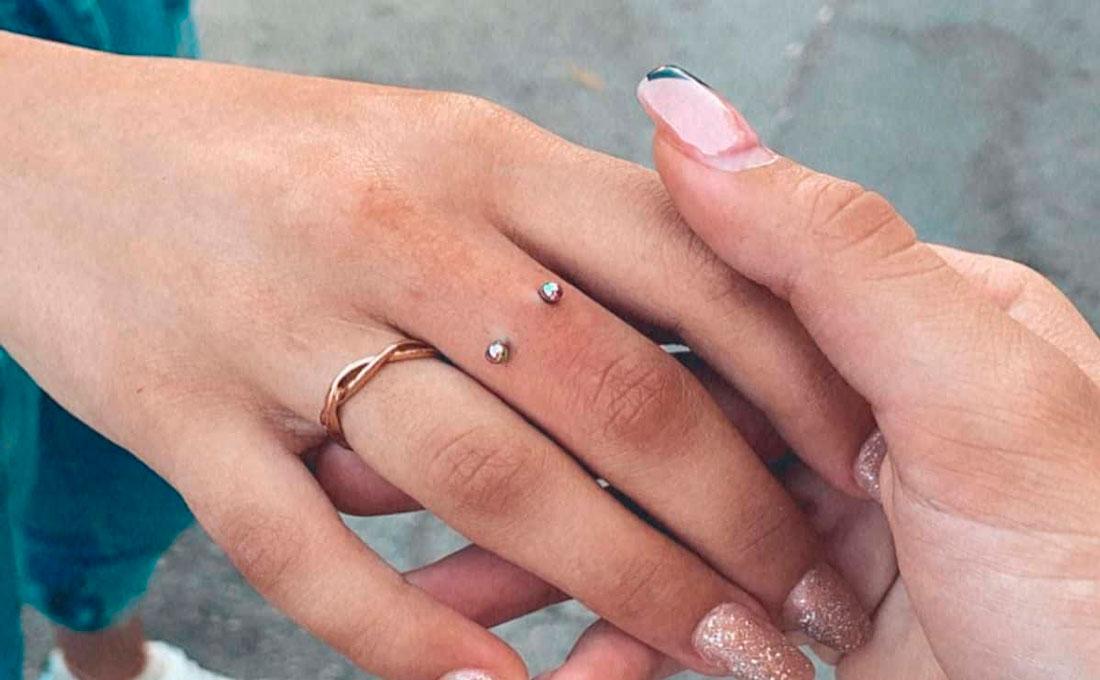 finger piercing